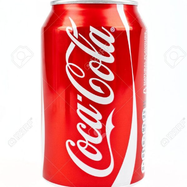 16020471-Can-of-Cola-over-a-white-background–Stock-Photo